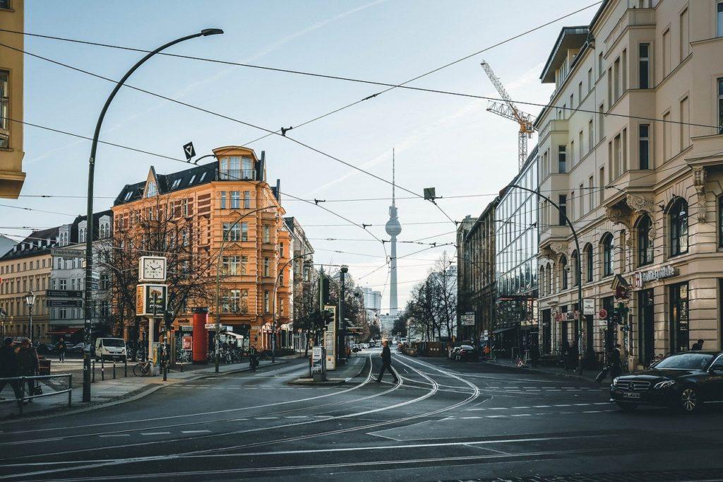 רחובות ברלין ביום בהיר