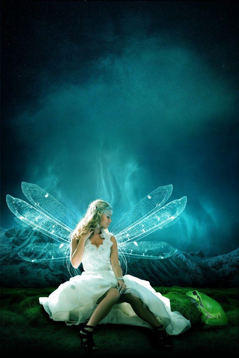 פיה מנופפת בכנפיים